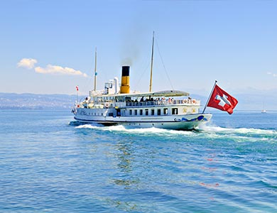 Picture of a Swiss boat on the lake
